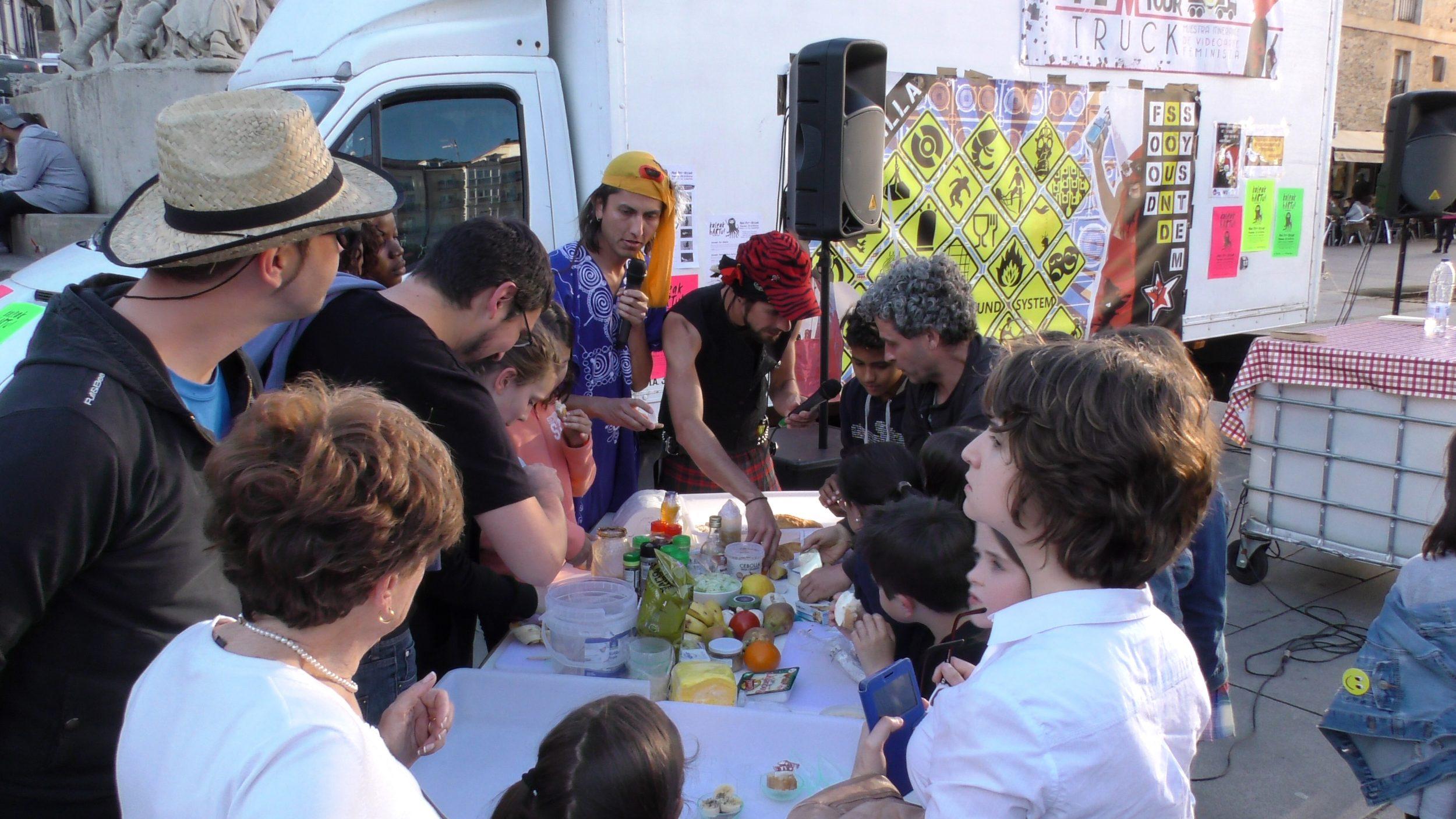 Kaleak hARTu! El Arte toma las calles_Guerrilla FSS